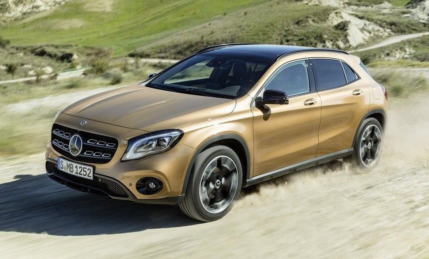 Mercedes GLA 180 gold